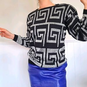 Vintagr Funky sliver and black sweater